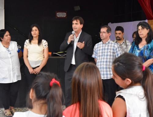 El Frente Renovador entregó un subsidio a la Escuela Primaria N° 18 de Vicente López